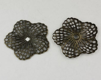 12 pcs of Antiqued Brass finished Hibiscus Flower filigree focal L:ink - 34mm