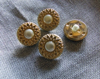 Vintage imitation pearl buttons