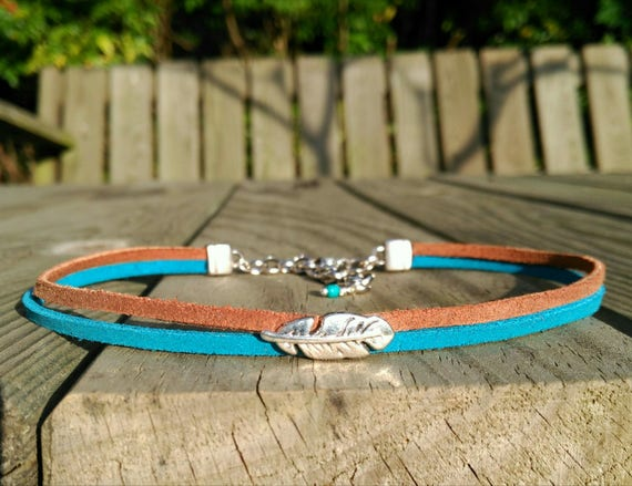 Two colors vegan SUEDE CHOKER necklace with FEATHER