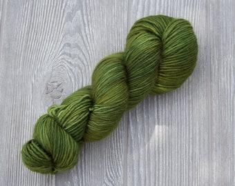 SPRUCE -Tippy  DK - Superwash handdyed tonal 100% merino wool yarn 100g/240yard yarn skein