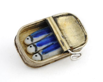 Vintage brass brooch, Sardines brooch, ceramic brooch, porcelain jewelry, tin can brooch, rustic pin, porcelain sardines, contemporary jewel