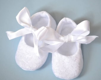 White lace christening shoes, baptism shoes, baby blessing shoes with ribbon bowtie