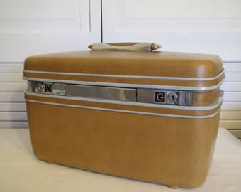 vintage Butterscotch Samsonite Train Case