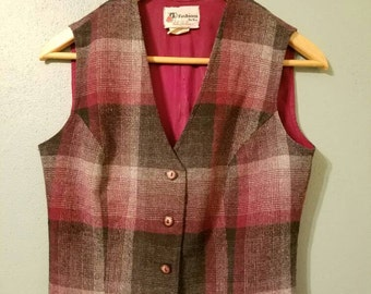 Ladies wool blend cropped vest, plaid vest, vintage, medium