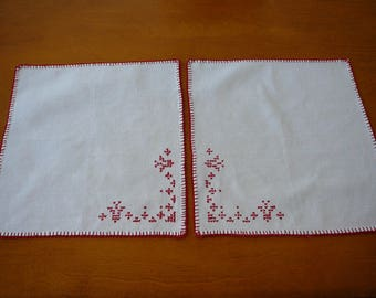 Vintage table linen, set of 2 napkins, white with red handstitching