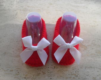 Knitted Baby Girl Shoes, Baby Girl Booties, Baby Santa  Size New Born 0 to 3  Months Ready Made