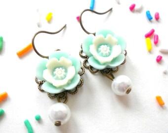 Daisy Earrings Turquoise Dangle Earrings Flower Girl Earrings Children Jewelry Dangle Pearl Earrings Robin Egg Blue Jewelry Flower Girl Gift