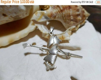 ON SALE Sterling Silver Witch on Broom Halloween Charm Movable Articulated 3D 2.87g