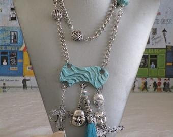 Charmant collier plastron avec pendentif en céramique «BOUDDHA»