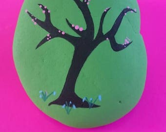 Painted pebbles.... Spring