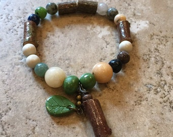 Wood and stone stretch bracelet