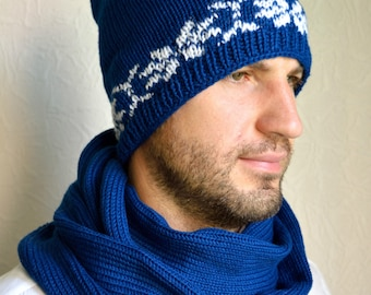 Hand knitted men's hat and snood scarf