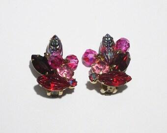 Ohrringe von Weiss // Rote Ohrclips // Strassohrringe Rot und Pink // 1950er Jahre //  Vintage Modeschmuck USA