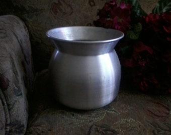 Aluminium Planter/Vase