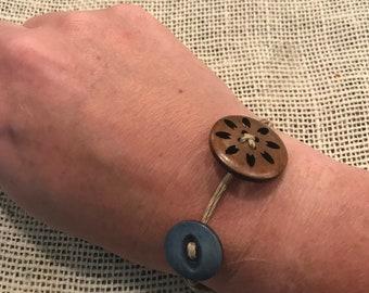 Vintage button bracelet!