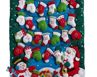 Finished Bucilla Christmas Mittens And Stockings Advent Calendar Pre-order 2018