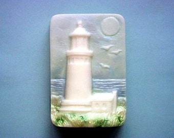 Soap. Stately Lighthouse with Beach Daisies fragrance, an aromatic blend of lemongrass, daisy, gardenia & ylang ylang.
