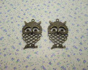 4 pcs of antique bronze color metal owl pendant charm , 55*35mm , MP581