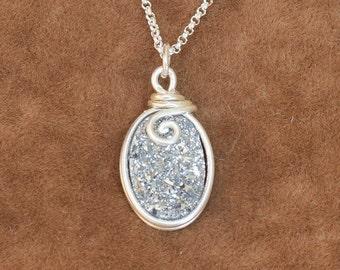 Druzy Necklace, Druzy Quartz Necklace, silver druzy Necklace,  Gemstone Necklace, Druzy Jewelry, Silver Chain