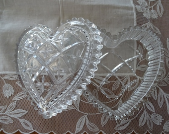 Vintage Heart Shaped Glass Trinket Box, Cut Glass Jewelry Box, Glass Box with Lid, Valentine's Day Gift, Jewelry Holder, Heart Candy Dish~