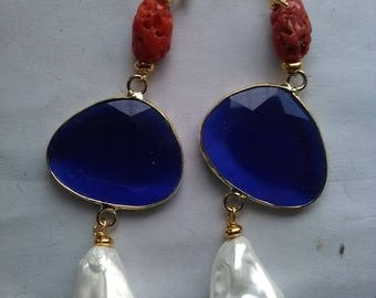 Earrings with coral beads and glass