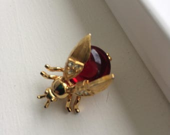 Vintage Gold Tone Bee Trembler Brooch Pin