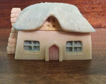 Small house trinket box