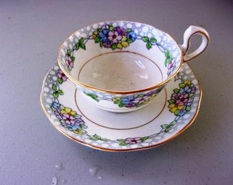 Vintage Royal Albert Tea Cup & Saucer - Handpainted Flowers - Mint