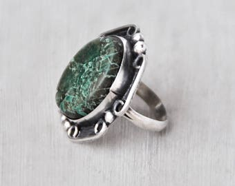 Vintage Big Green Turquoise Ring - sterling silver oval stone with scroll raindrop ball border - Southwestern statement ring - Size 7.25