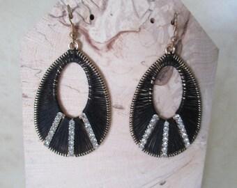 Earrings dangle fancy black