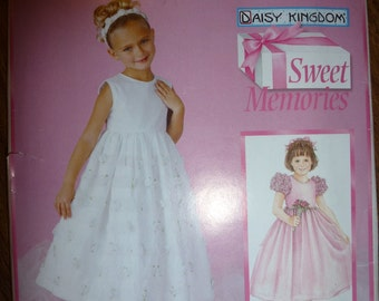Simplicity Pattern 0682 for Girl's Dress Sweet Memories Daisy Kingdom  Sizes 7,8,10,12,14 Available
