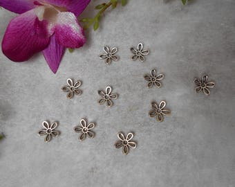 10 Silver Flower caps