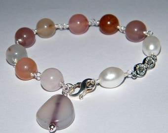 925 silver bracelet with quartz and freshwater pearls.