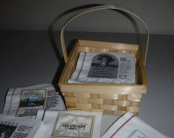 Wooden basket w/napkins for wine lovers, 5 different vineyards/brands featured