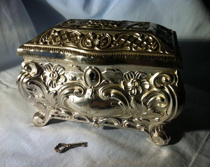 Vintage German Souvenir Trinket Music Jewelery Box Key beautiful Decoration