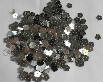 100 Metallic Silver color/Flower sequins/KBSF678