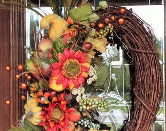 OVAL FALL GRAPEVINE Wreath with Fall Sunflowers, Pumpkins and Gourds, Thanksgiving Wreath
