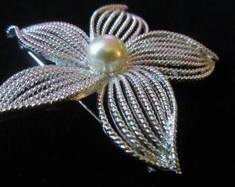 Vintage Sarah Coventry Moonflower Flower Faux Pearl Brooch Pin/Mothers Day Brooch Gift