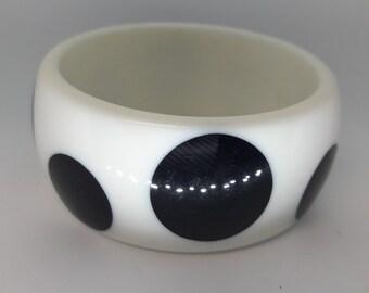 White With Black Polka Dots Lucite Acrylic Vintage Bangle Bracelet
