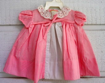 Vintage pink gingham dress with white eyelet lace- Size 0 newborn- new, never worn