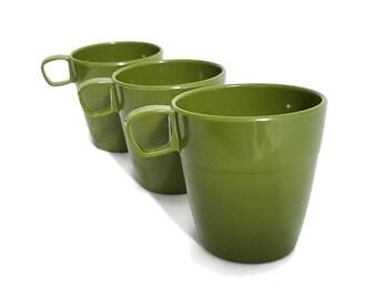 Green Plastic Mugs Vintage Shamrock Neatway Picnic Cups