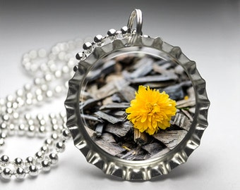 Yellow Dandelion Bottlecap Pendant Necklace - Free Ball Chain
