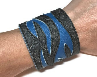 Mens cuff bracelet, leather cuff with flames, mens leather cuff, gray and blue, gift for man, gift for biker, gift for boyfriend.