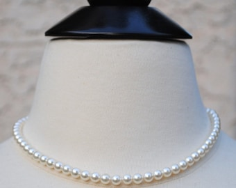 Bridal Necklace, Delicate Pearl Necklace, White Pearl Necklace, Bridal Jewelry, Classic Ivory Pearl Necklace, Bridesmaids Pearl Necklace