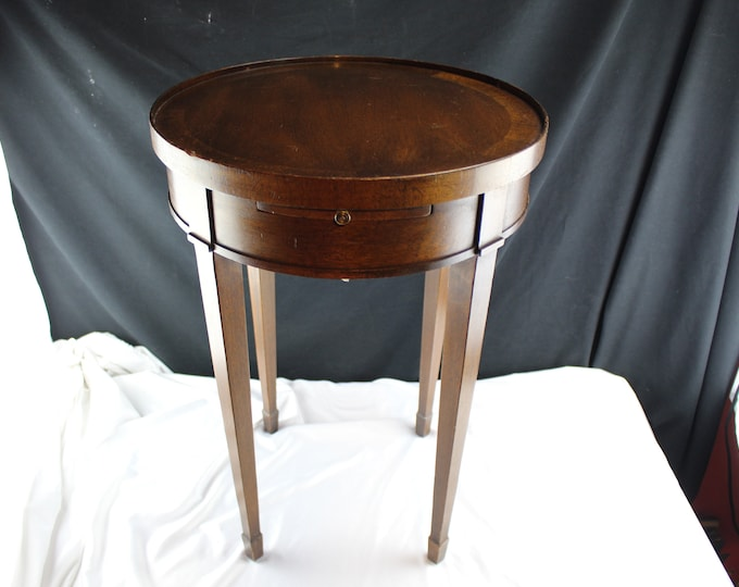 Vintage Brandt Penwood Mahogany Side Table Round with Pull Out Shelf-Sheraton/Hepplewhite Style End table With Pull Out Extensions