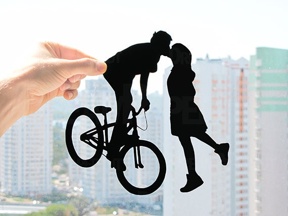 Bicycle kissing couple gift ideas for first year wedding