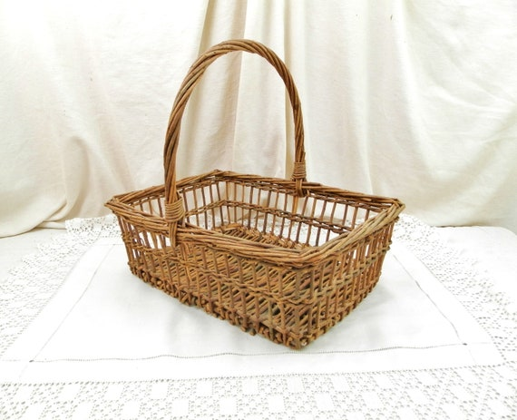 Antique French Woven Wicker Square Flower Sellers Basket with Large Handle, Retro Country Cottage Farmhouse Harvesting Basket from France