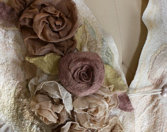 Nuno felting TUTORIAL felt making instructions decorating scarf coat with flowers roses wet tutorials cape pattern textures wrap shawl scarf