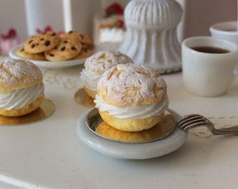 Chou à la Crème Chantilly  for Blythe.
