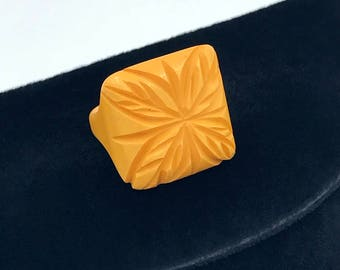 Yellow Carved Bakelite Ring, size 4.5, Pinkie Ring